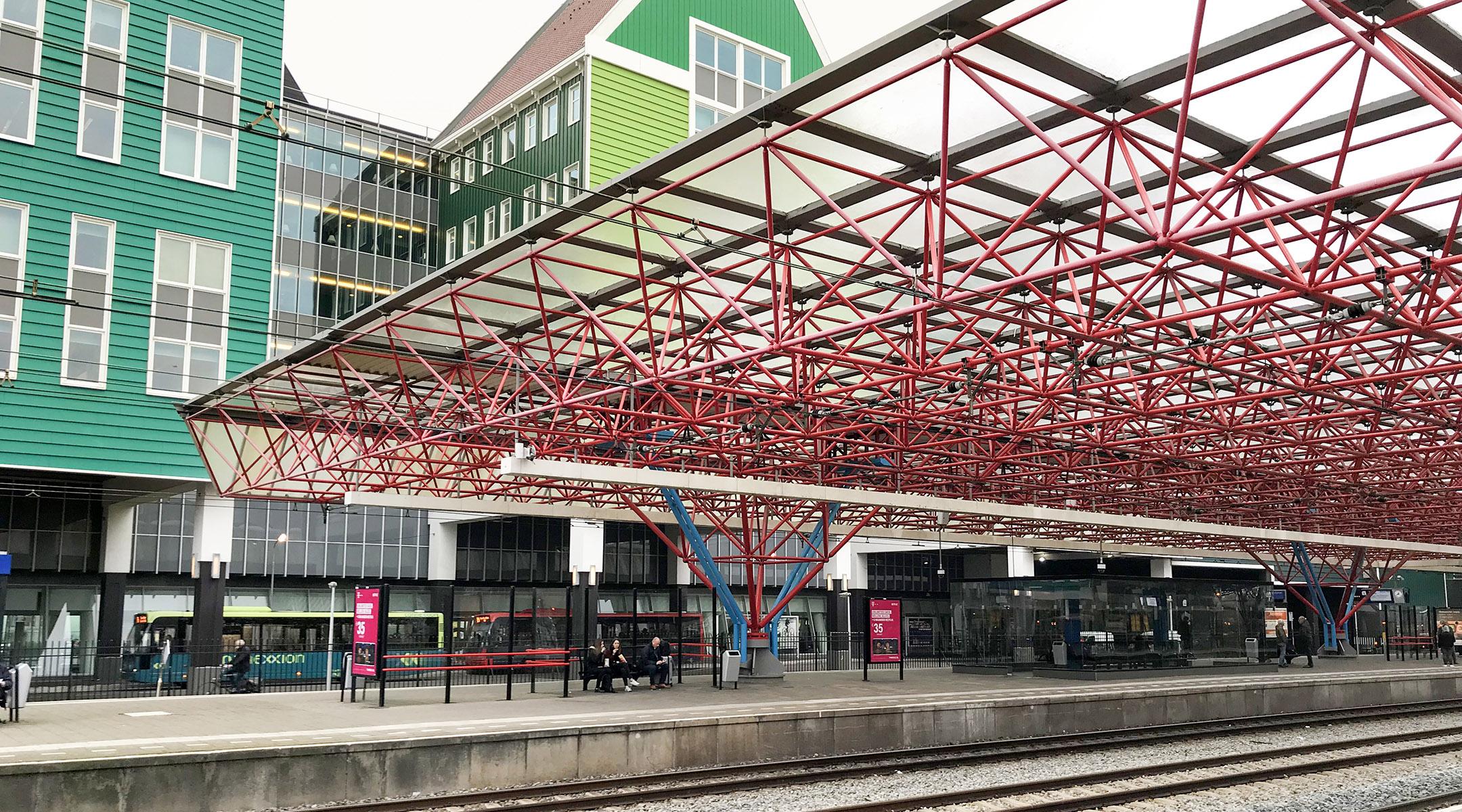 Van der Ende Station Zaandam