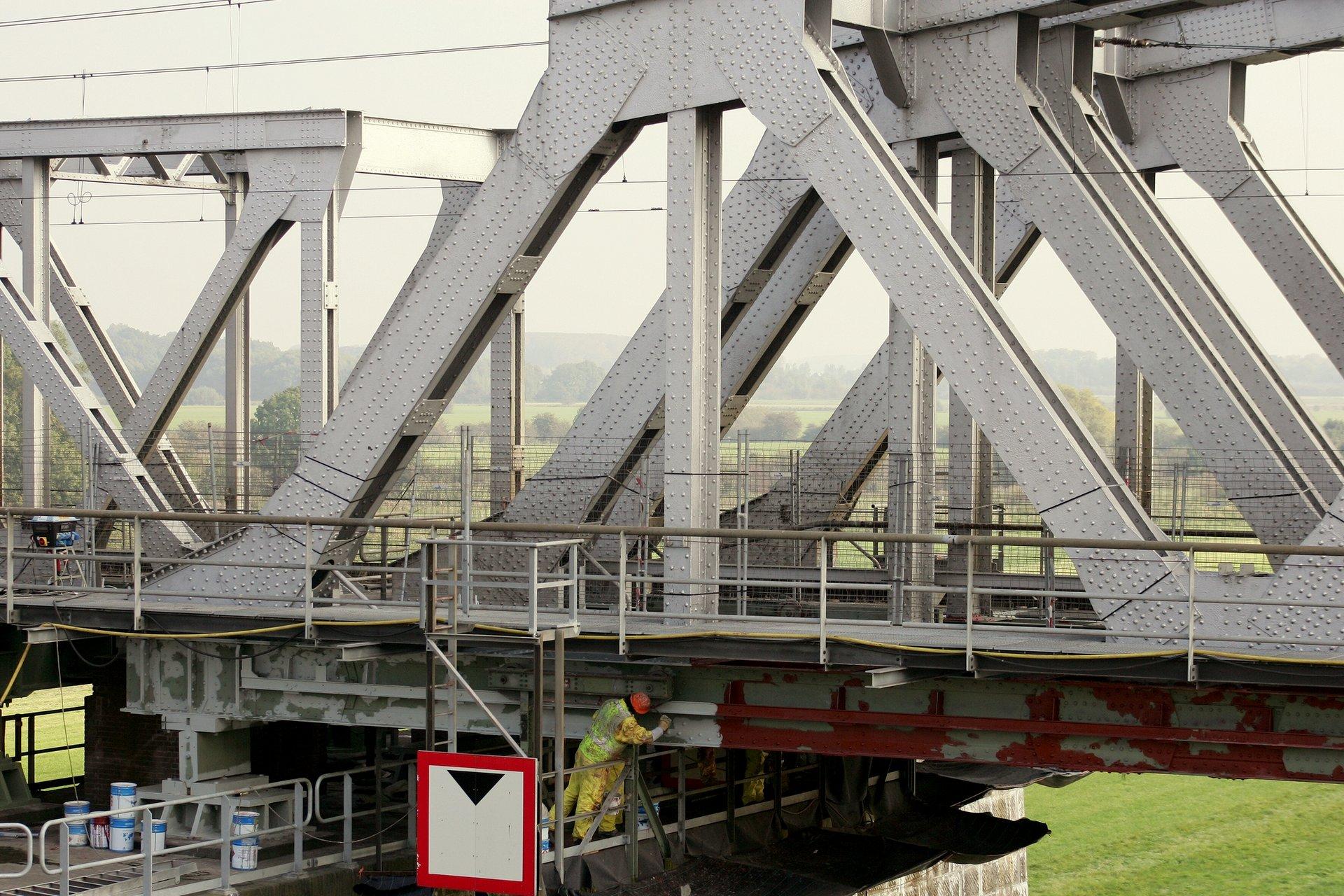 prorail zaltbommel brug